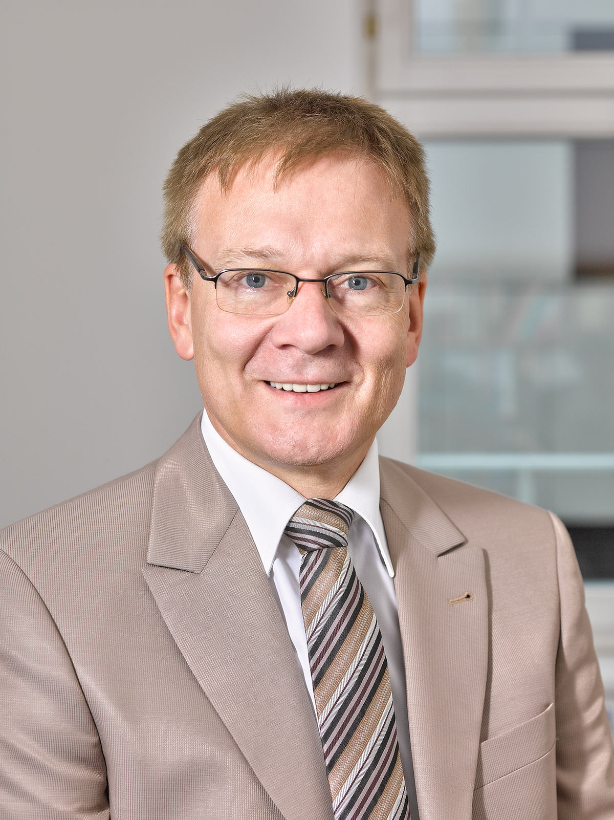 Dr. Manfred Dallago